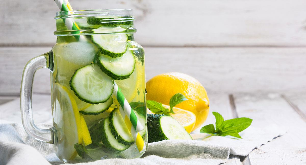 Agua de pepino, limonaria y menta