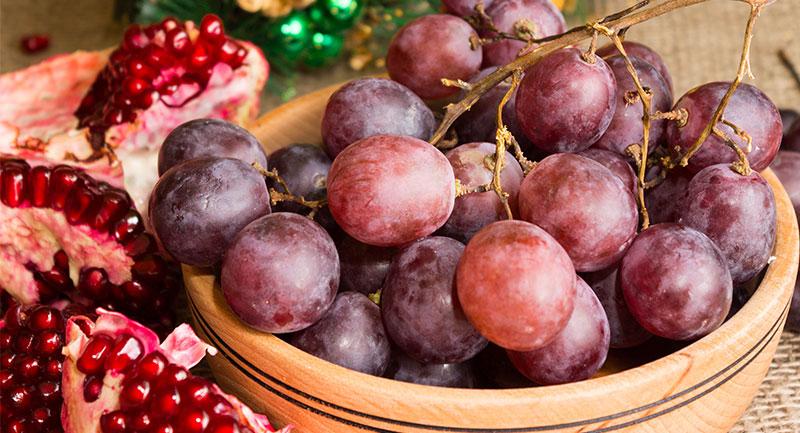 Uvas Rojas para Navidad - Shutterstock