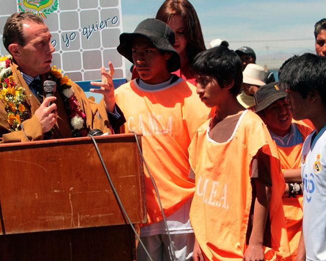Butragueño lanza en Bolivia escuelas del Real Madrid