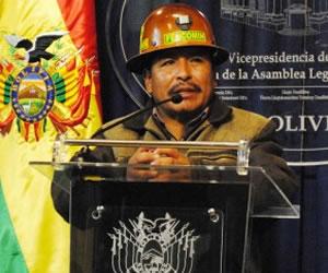 Canjean a policía por seis mineros detenidos en Konani