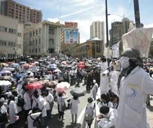 Trabajadores del Pailón bloquean carretera a Trinidad
