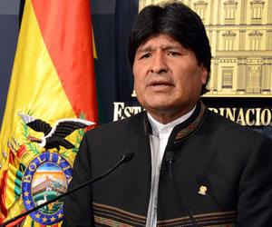El presidente Morales viaja hacia la Cumbre de Cádiz