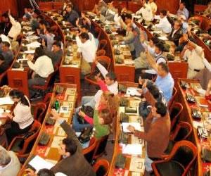 Senado proyecta dos leyes para zanjar conflictos de límites