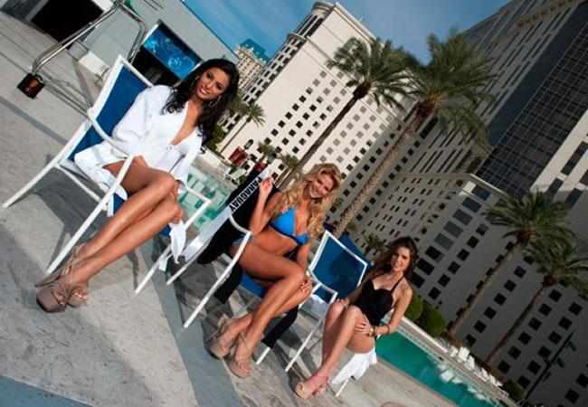 Candidatas a Miss Universo 2012 durante sesión en traje de ... Lubica Stepanova