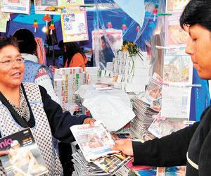Periódicos en miniatura de la Alasita formarán parte de la Memoria Regional del Mundo