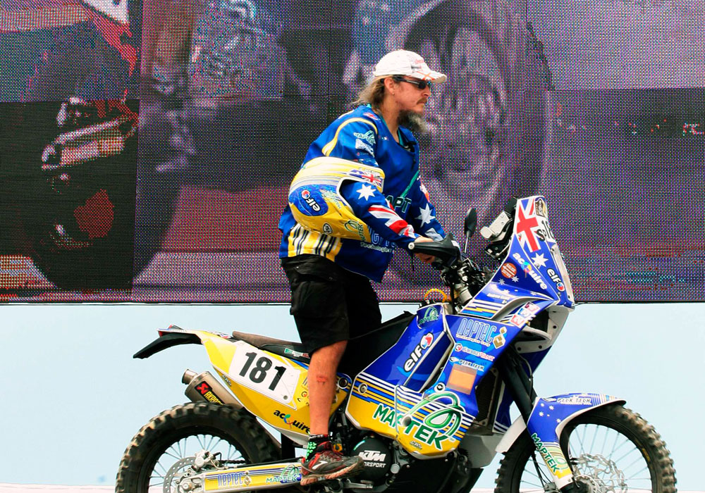 El australiano Andrew Scott se presenta en el 'Village Dakar' de Lima. Foto: EFE