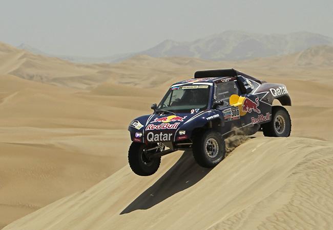 Al-Attiyah gana la tercera etapa del Dakar y Sainz termina decimocuarto