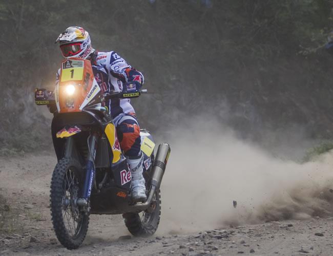Cyril Despres gana la novena etapa del Dakar y el portugués Faria es líder