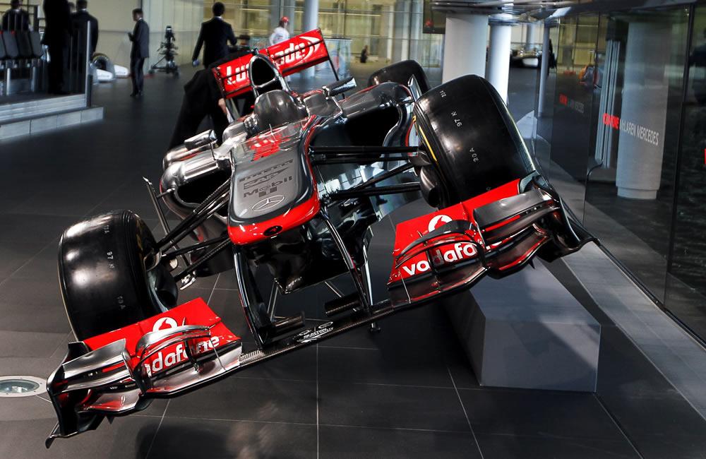 El nuevo auto McLaren Mercedes, el McLaren Mercedes, el MP4-28. EFE