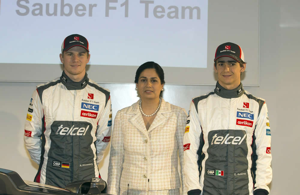 Los pilotos de Fórmula 1 de la escudería Sauber Nico Huelkenberg y Esteban Gutierrez. EFE