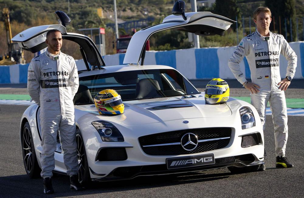 Mercedes presenta en Jerez el nuevo W04 con la incorporación de Hamilton
