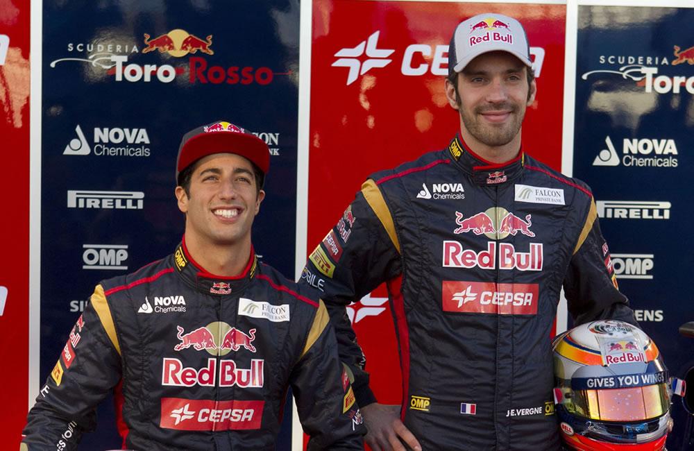 Los pilotos Daniel Ricciardo (i) y Jean-Éric Vergne (d) del equipo Toro Rosso. EFE