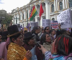 Aprueban en grande proyecto de ley Integral contra la Violencia a la Mujer