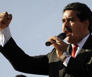 'Comandante no pudieron contigo ni con nosotros': Maduro