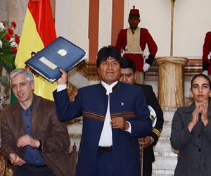 Presidente Morales promulga ley que castiga feminicidio con 30 años de cárcel