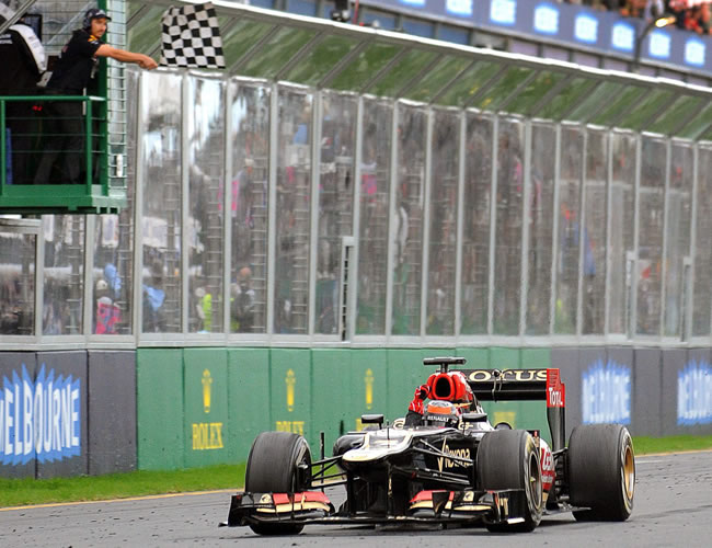 El piloto finlandés Kimmi Raikkonen campeón del Gran Premio de Australia. EFE