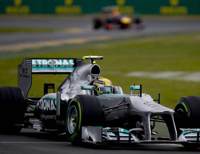 El piloto de fórmula 1, el británico Lewis Hamilton de Mercedes AMG GP durante la sesion de clasificación del GP de Australia. EFE