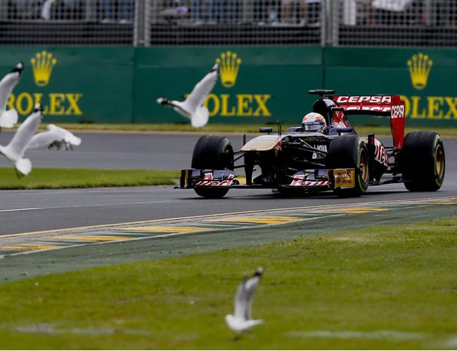 El piloto de fórmula 1, el francés Jean Eric Vergne de la Escuderia Toro Rosso en el Gran Premio de Australia. EFE