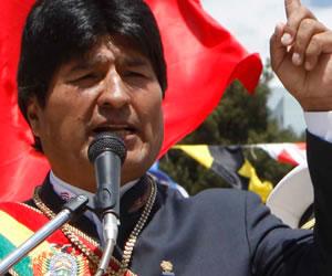 Piñera paralizó desminado de frontera: Morales