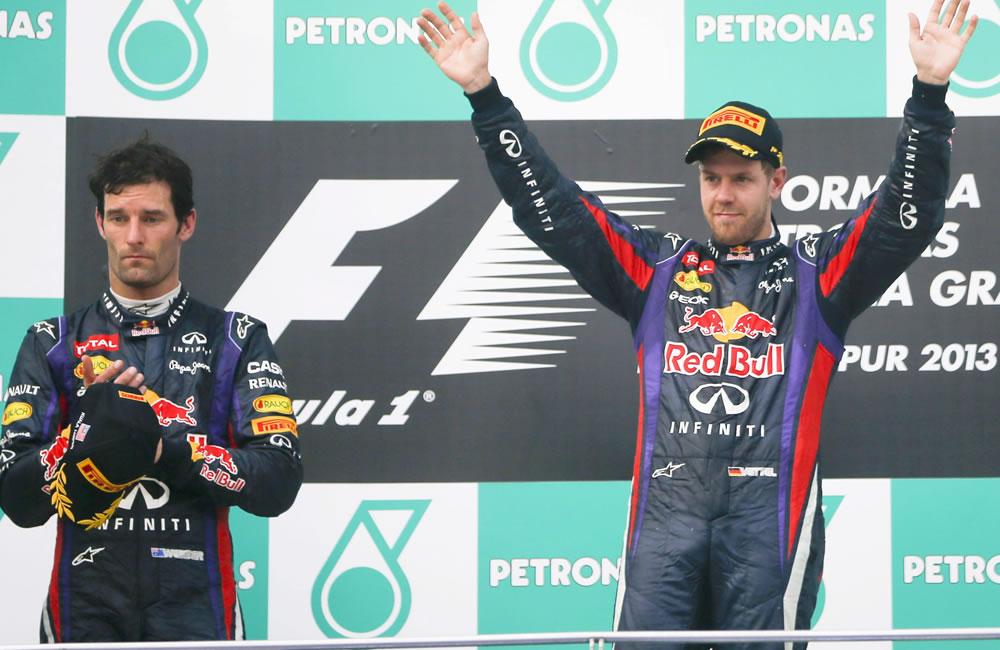 El piloto de Fórmula Uno Sebastian Vettel, ganador del gran premio de Malasia junto con su compañero  Mark Webber, segundo. EFE