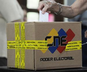 Venezolanos emprenden un viaje de 1.400 kilómetros para votar