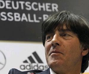 Löw, contento por doble duelo germano-español, no cree en su dominio europeo
