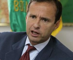 Quiroga apoya demanda contra Chile pero pide coherencia interna