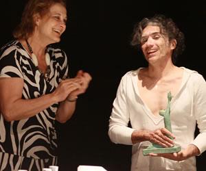 Aramburo recibió un reconocimiento en el IX Festival Internacional de Teatro