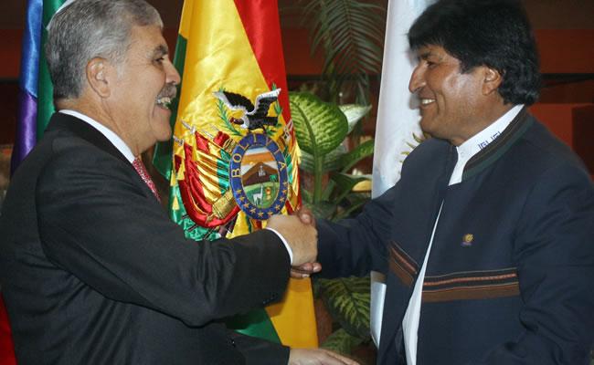 Bolivia y Argentina amplían convenios en hidrocarburos y energía