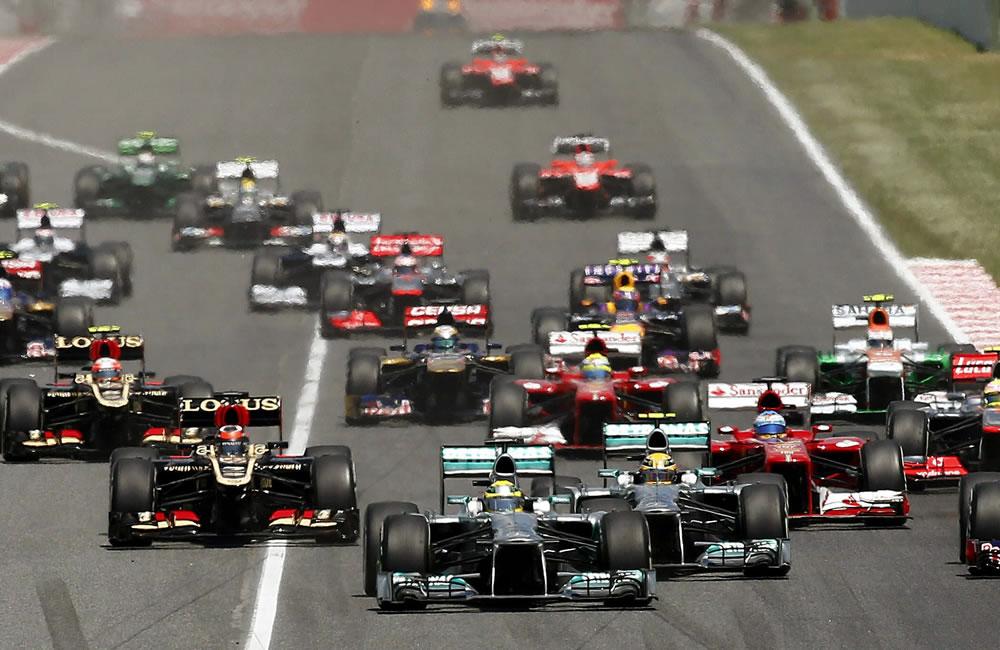 Salida del Gran Premio de España de Formula Uno que se disputa en el circuito de Montmeló, en Barcelona. EFE