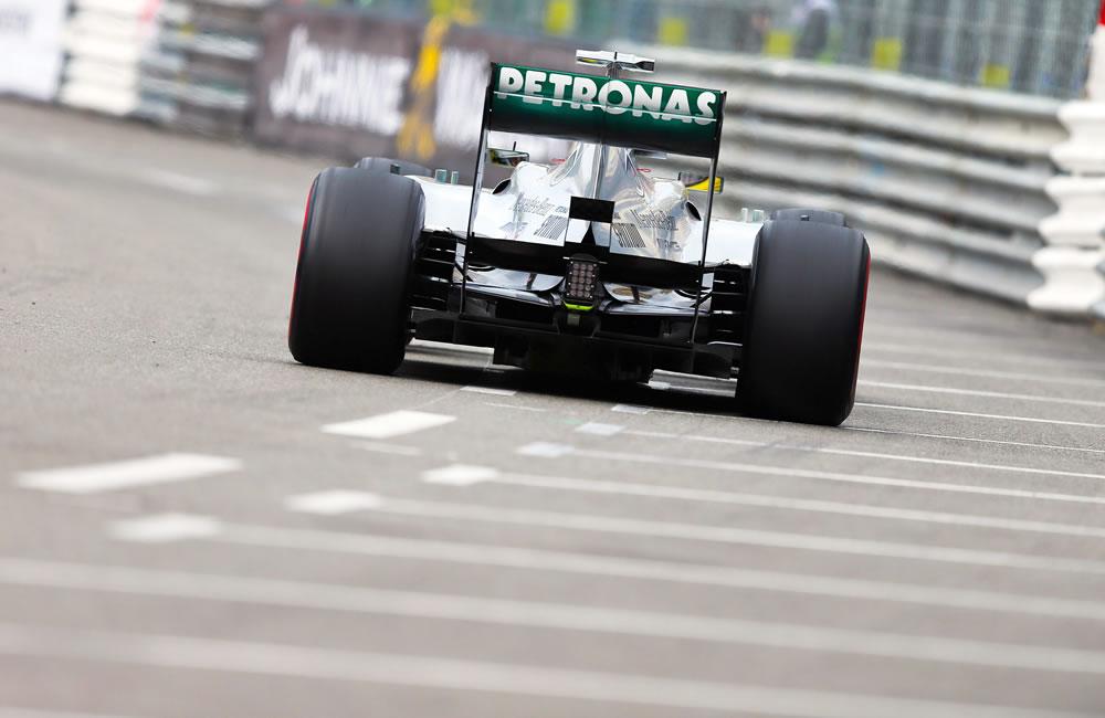 El piloto alemán de Fórmula 1, Nico Rosberg gana la pole del Gran Premio de Mónaco. EFE