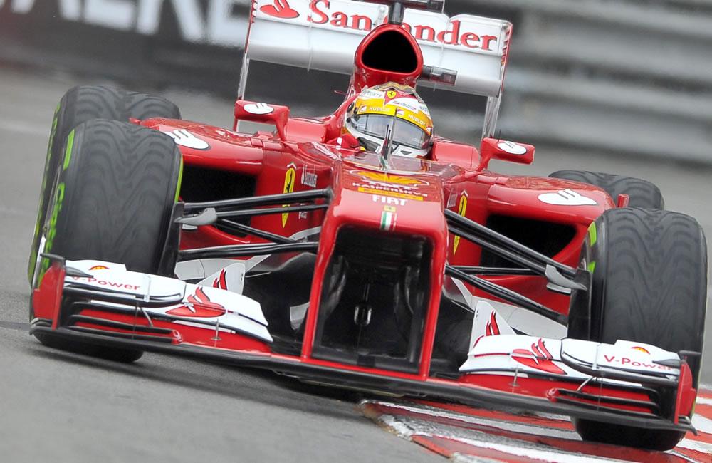 El piloto español Fernando Alonso durante la clasificación del Gran Premio de Mónaco. EFE