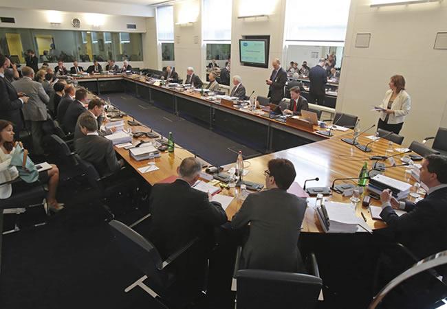 Comparecencia de Mercedes y Pirelli ante el Tribunal Internacional de la Federación Internacional del Automóvil. EFE