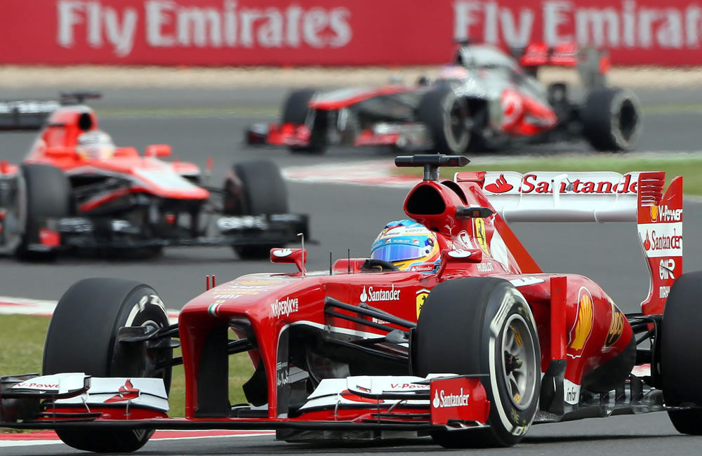 El piloto español Fernando Alonso durante la clasificación del Gran Premio de Gran Bretaña. EFE