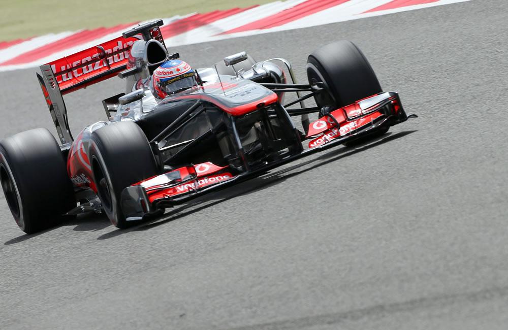 El piloto británico Jenson Button durante la clasificación del Gran Premio de Gran Bretaña. EFE