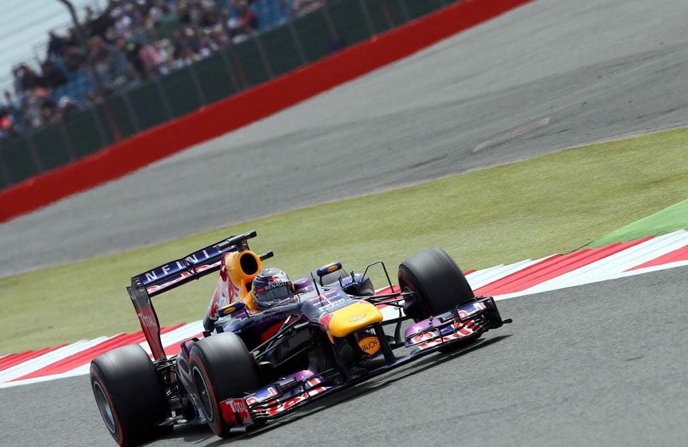 El piloto alemán Sebastian Vettel durante la clasificación del Gran Premio de Gran Bretaña. EFE