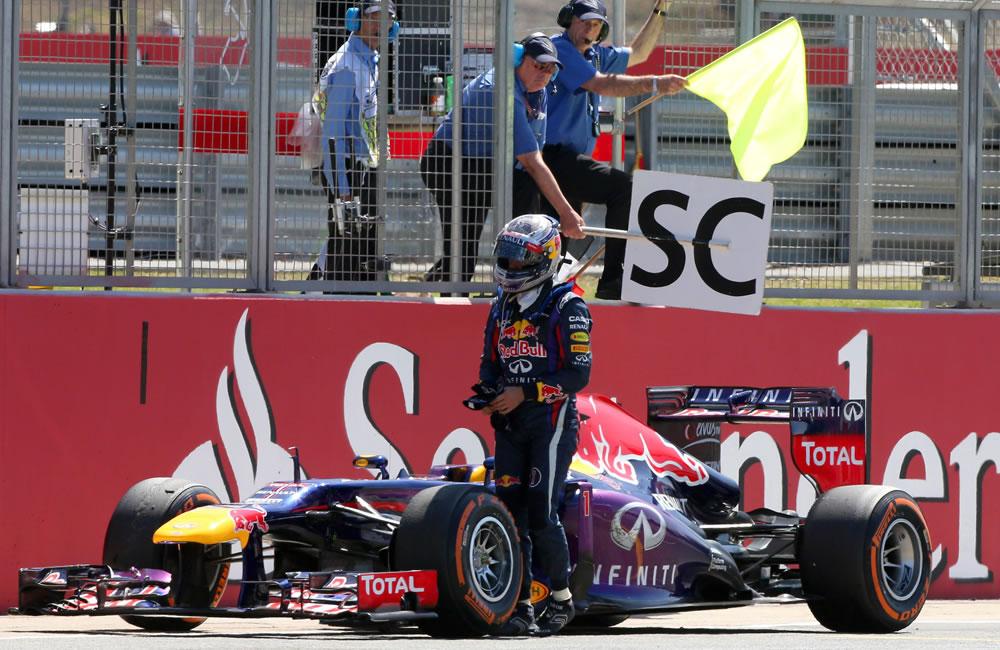 El retiro del piloto alemán Sebastián Vettel durante el Gran Premio de Gran Bretaña. EFE