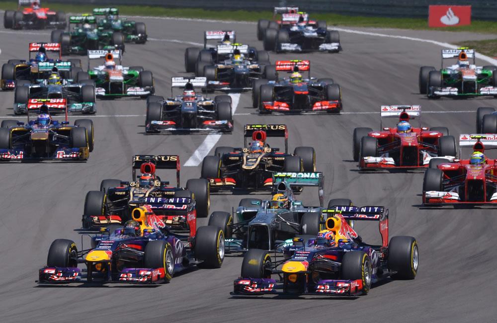 Los pilotos durante la salida del Gran Premio de Alemania. EFE
