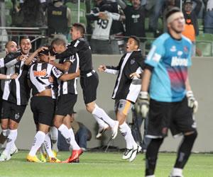 Atlético Mineiro se matricula en la final sobre Newell's en los penaltis