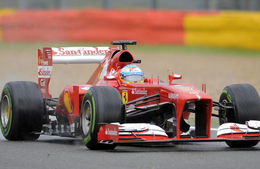 El piloto español Fernando Alonso durante la clasificación del Gran Premio de Bélgica. EFE