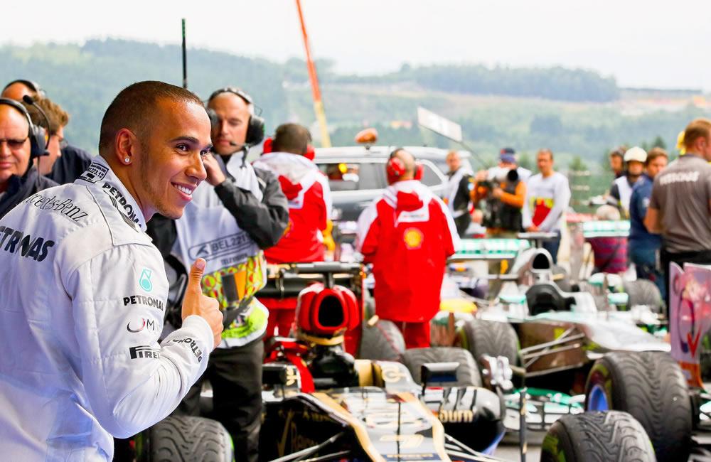 El piloto británico Lewis Hamilton saldrá primero en la grilla de partida del Gran Premio de Bélgica. EFE