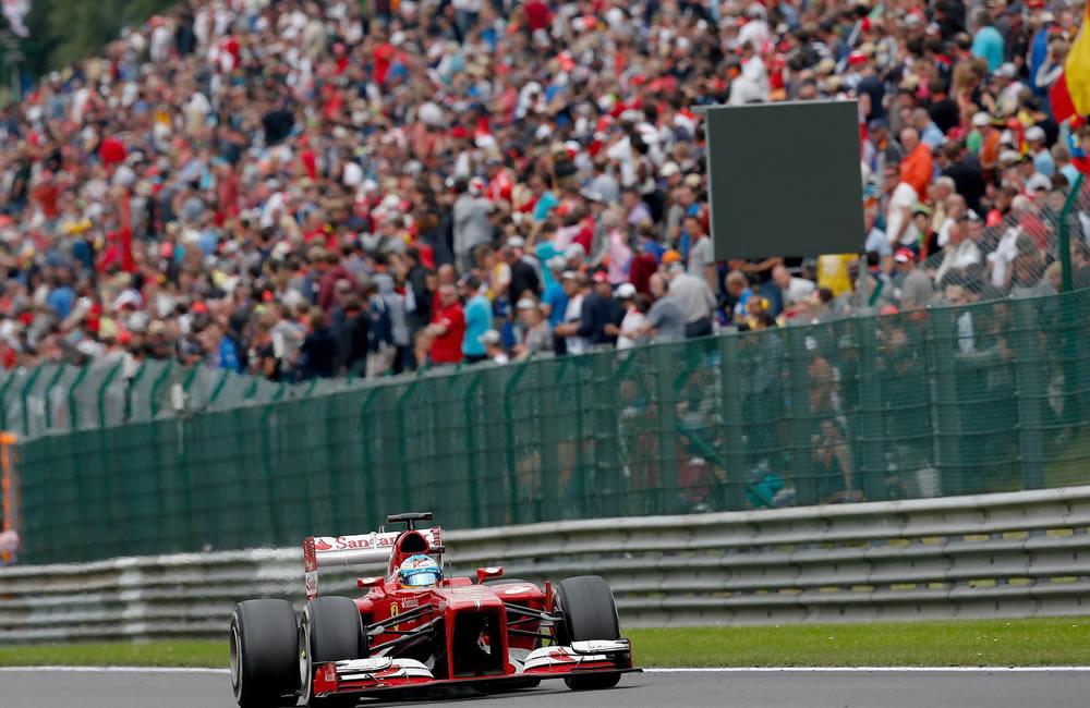 El piloto español Fernando Alonso durante el Gran Premio de Bélgica. EFE
