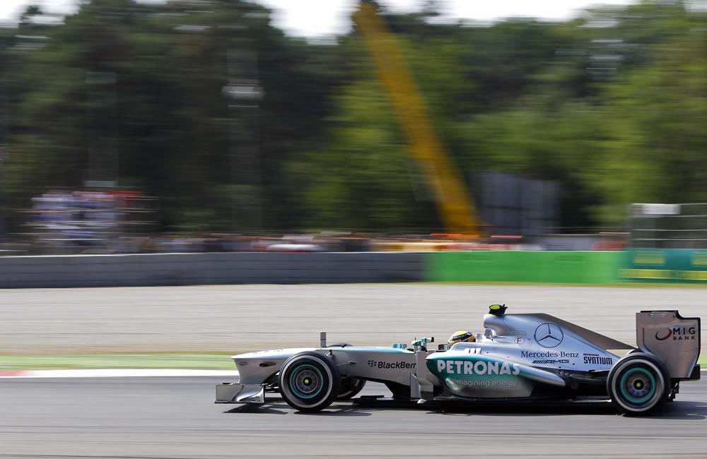 El piloto británico Lewis Hamilton durante la clasificación del Gran Premio de Italia. EFE