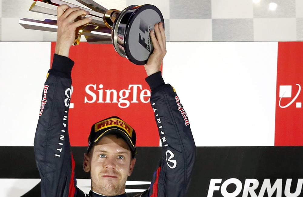 El piloto alemán Sebastián Vettel se coronó campeón del Gran Premio de Singapore. EFE