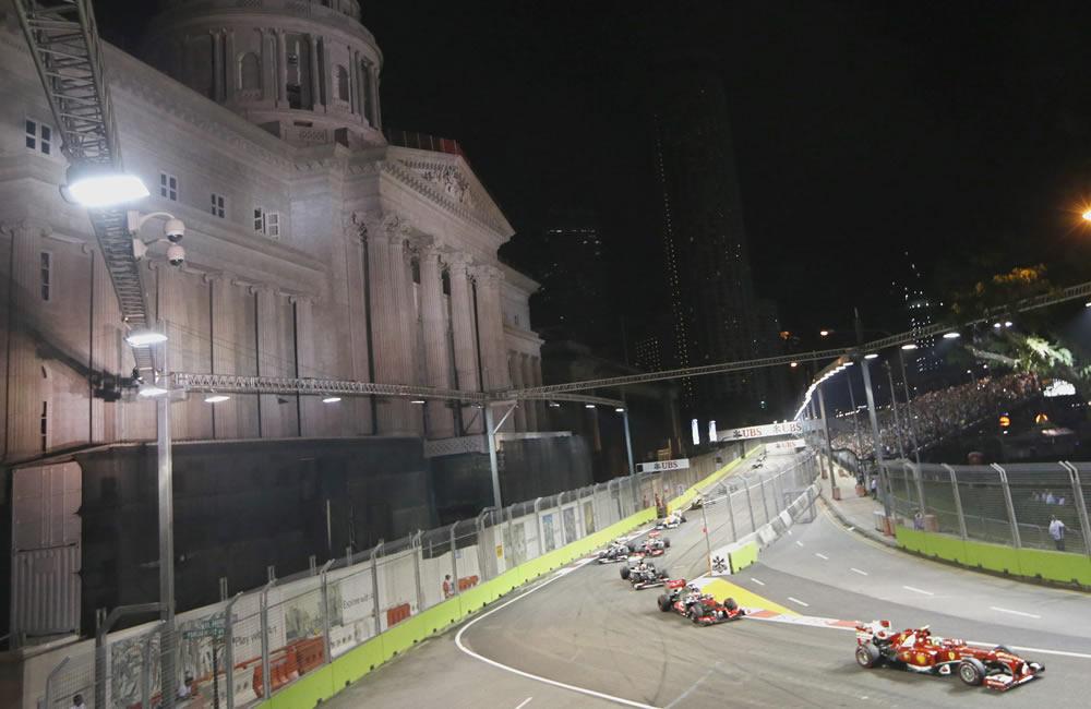 El piloto brasileño Felipe Massa durante el Gran Premio de Singapore. EFE