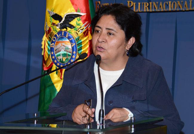 Cecilia Ayllón, ministra de Justicia, anuncia la aprobación del Decreto Supremo Nº 1741. ABI