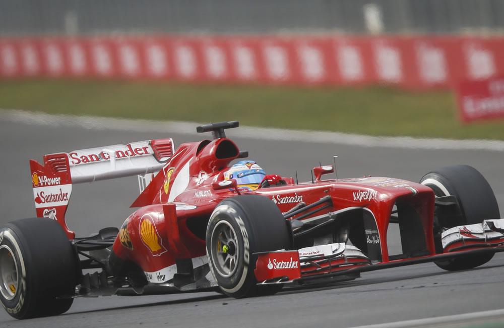 El piloto español Fernando Alonso durante el Gran Premio de Corea. EFE