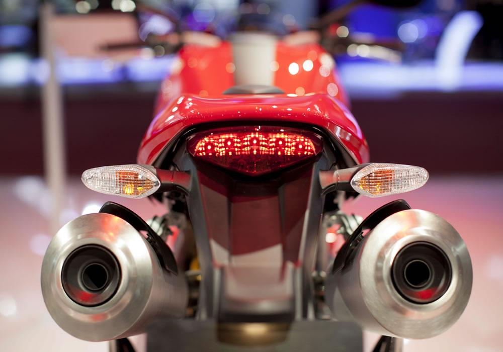 Senna inspira modelo Ducati lanzado en Salón Dos Ruedas