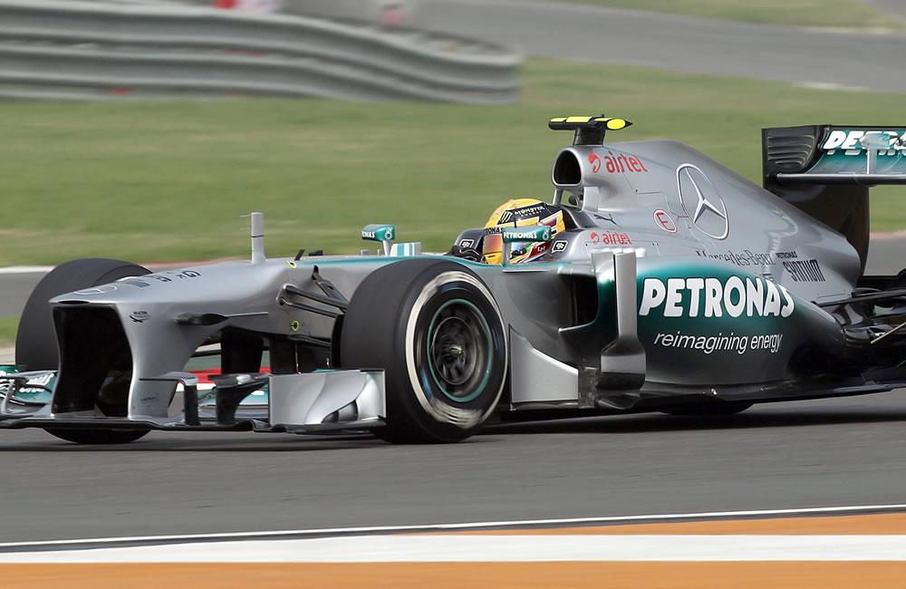 El piloto británico Lewis Hamilton durante la clasificación del Gran Premio de la India. EFE