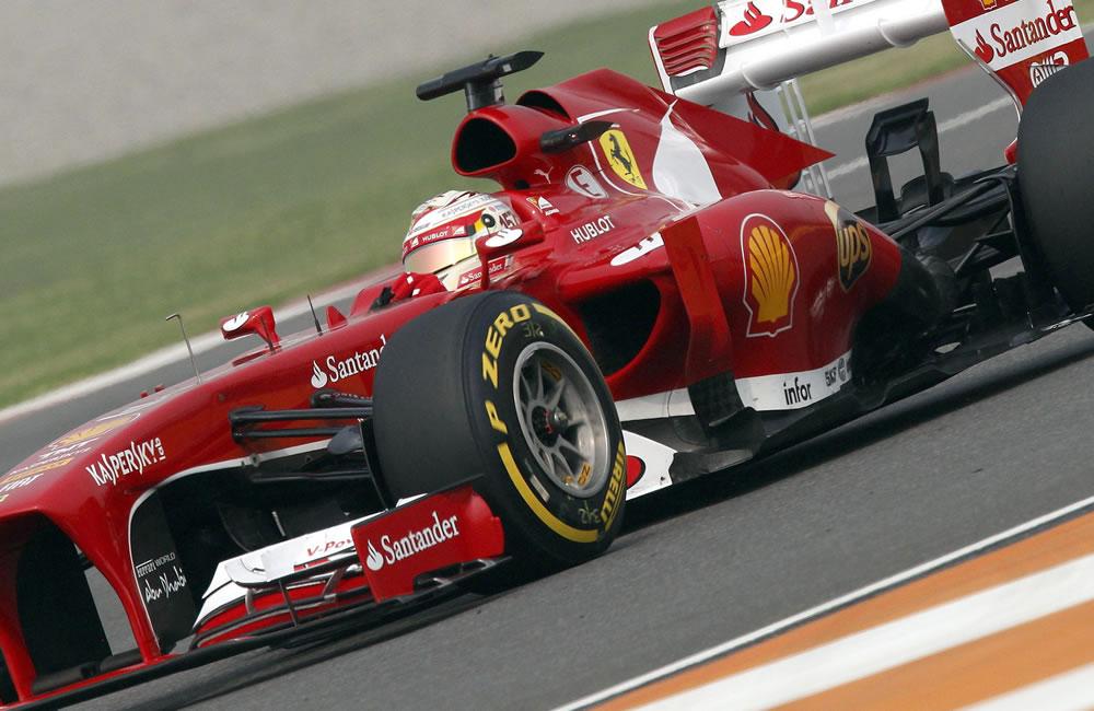 El piloto español Fernando Alonso durante la clasificación del Gran Premio de la india. EFE